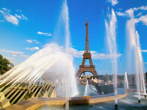 Eiffel_Tower_and_Fountain_Paris_France.jpg