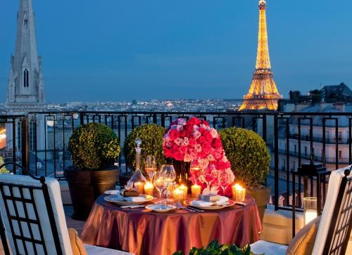 Romantic-Paris-Night.jpg