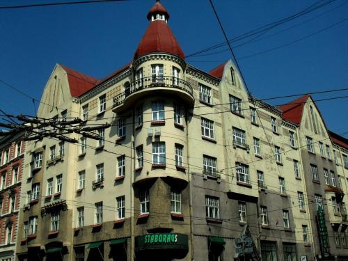 146 Aleksandra Caka, 55, угол с ул. Stabu.JPG