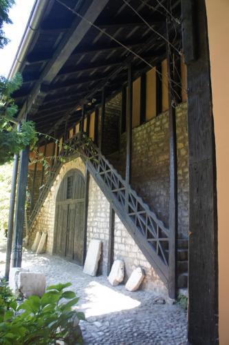 DSC00079 Сараево  церковь Св. архангелов Михаила и Гавриила или Старая Православная церковь   Босния и Герцеговина .JPG