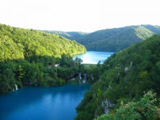 Plitvice_Lakes,_Croatia,_Lower_Lakes.JPG