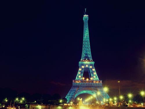 Harekosh_Eiffel Tower_YENkRw.jpg