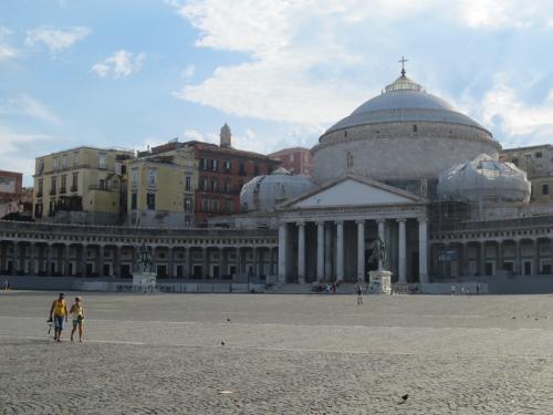 Неаполь. Площадь.jpg