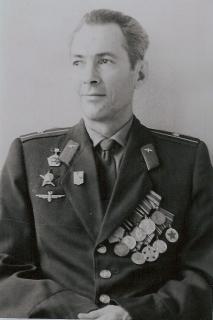 Дедушка Юрий Савельевич (папин папа).jpg