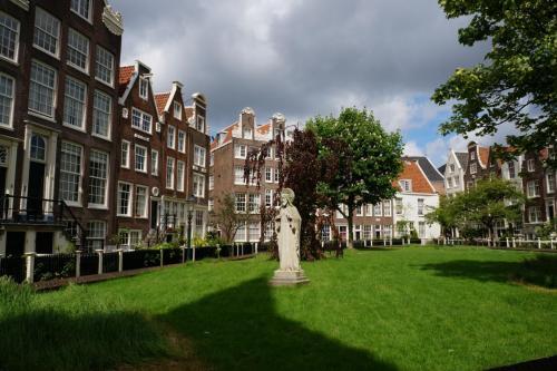 14.05.12_206_Амстердам_Бегинаж.JPG