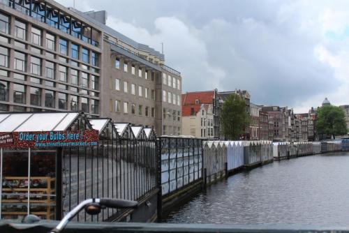 14.05.12_334_Амстердам_Цвет.рынок.JPG