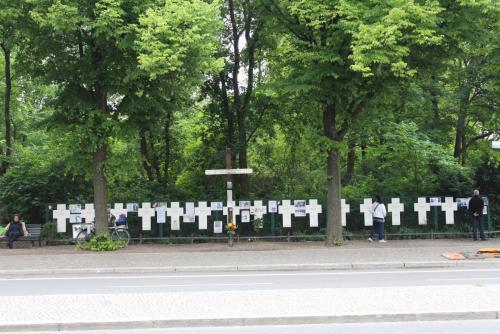 14.05.11_201_Берлин_Памятник погибшим Стены.JPG
