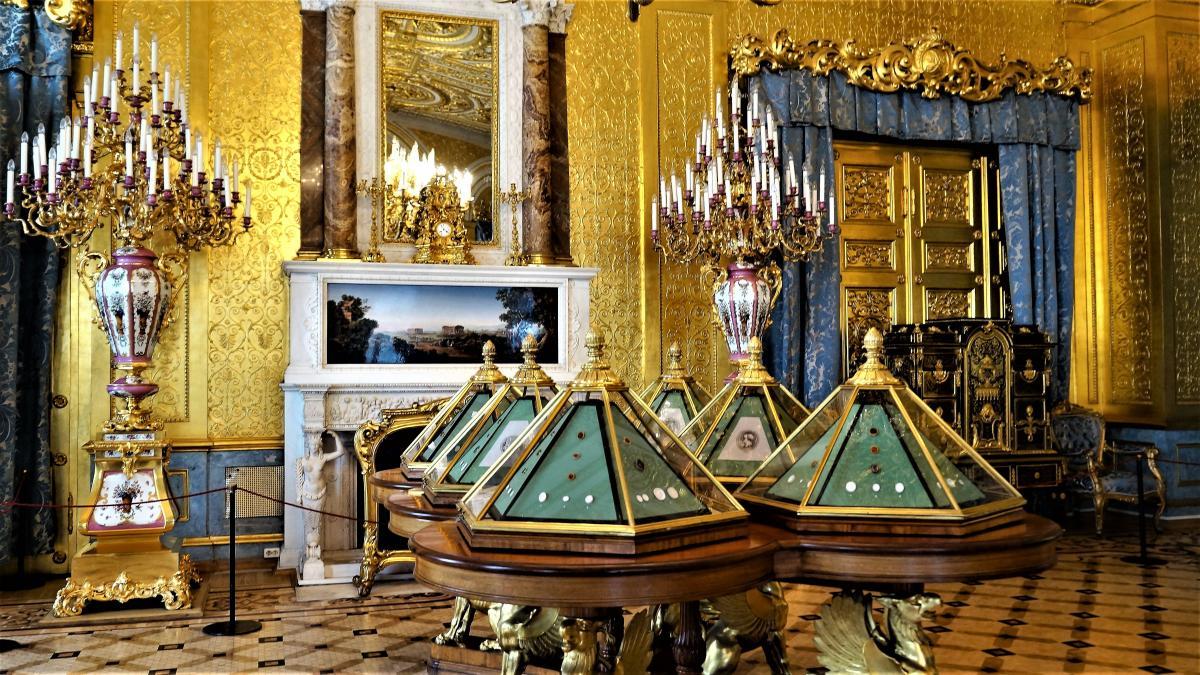 прикольные бриллиантовая комната в эрмитаже фото или холодные