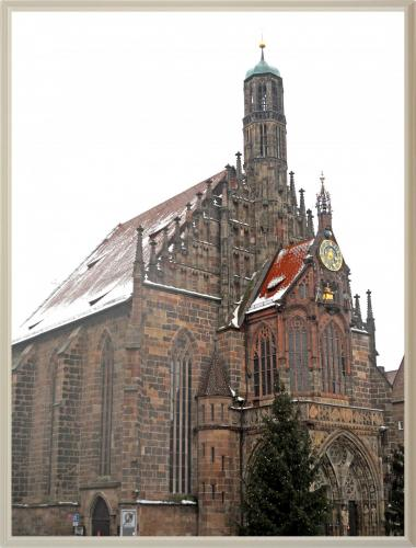 DSCN1539_Нюрнберг Церковь Богоматери с часами Менляйнлауфен.jpg