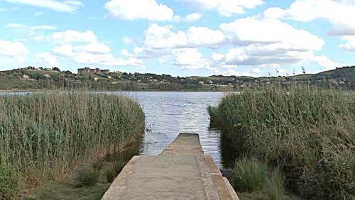 sicily-lake-pergusa-2_-jg_v0dls__M0000.jpg
