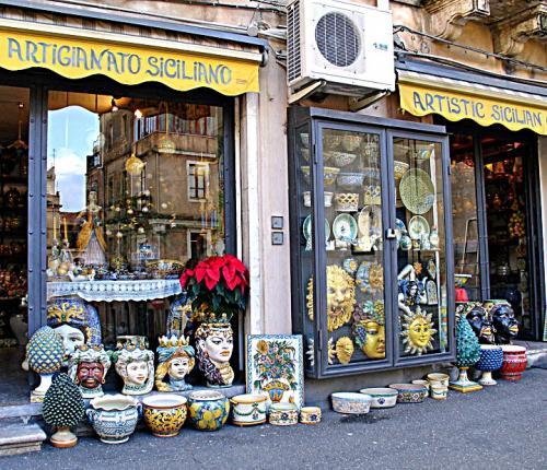 taormina-ceramic shop.jpg