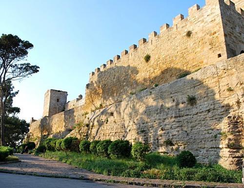 Castello_di_Lombardia_Enna_-_Torre_della_Campana_2-1024x685-913x685-913x685.jpg