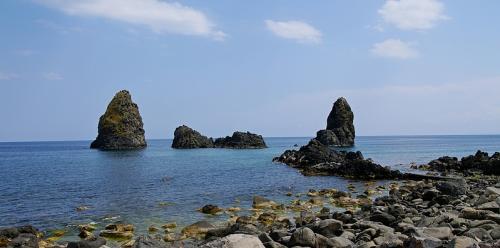 coastline-of-cyclopes-1353649.jpg