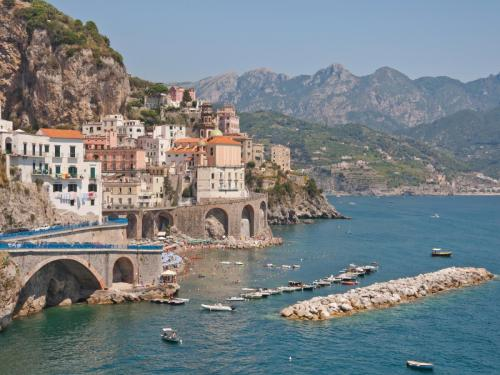 World___Italy_Houses_on_the_waterfront_at_the_resort_in_Amalfi__Italy_062842_2.jpg