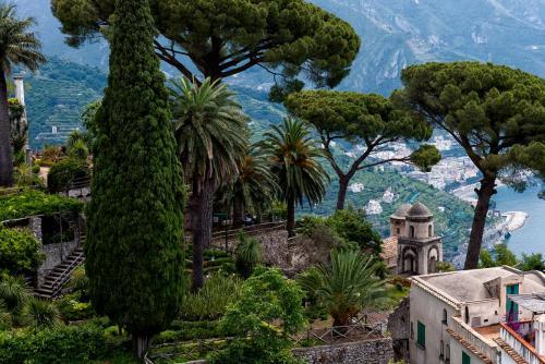 Garden-of-Villa-Rufolo-Amalfi-Coast-Italy.jpg