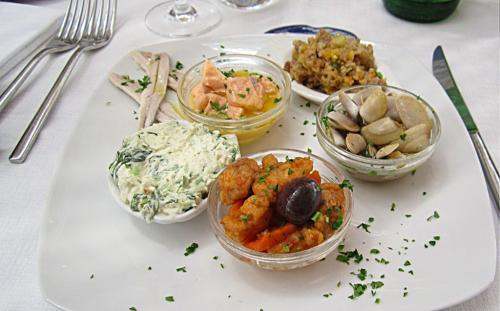 Антипасти-в-рыбном-ресторане-1024x636.jpg