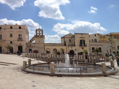 Matera_Italy_Piazza1-1024x768.jpg