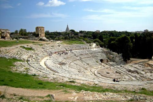 Sicilia, Siracusa, Teatro Greco 54.jpg