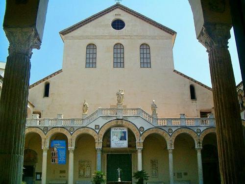 luoghi-visitare-salerno-cattedrale.jpg