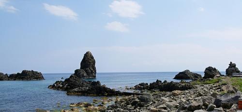 coastline-of-cyclopes-1353658.jpg