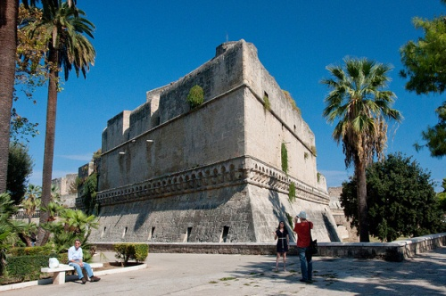 Bari-in-Italy-Castello-Normanno.jpg
