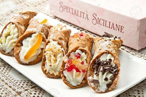 15077750-mixed-Sicilian-cannoli-Stock-Photo.jpg