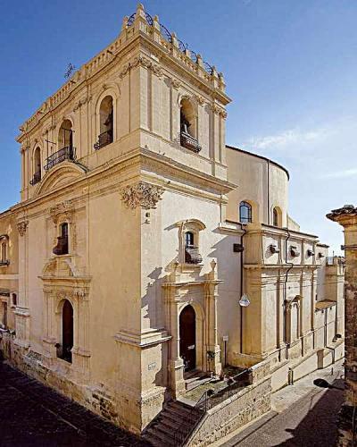 chiesa_di_santa_chiara_noto.jpg