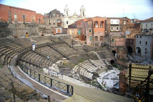 Catania_Greek-Roman_theater.jpg