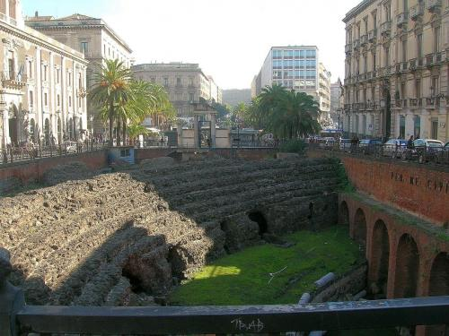 Catania_anfiteatro_romano2423.jpg