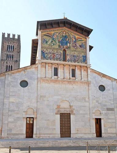 Basilica-of-Saint-Ferdinand-Lucca1.jpg