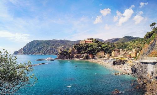 monterosso-al-mare-cinque-terre-italy_l1.jpg