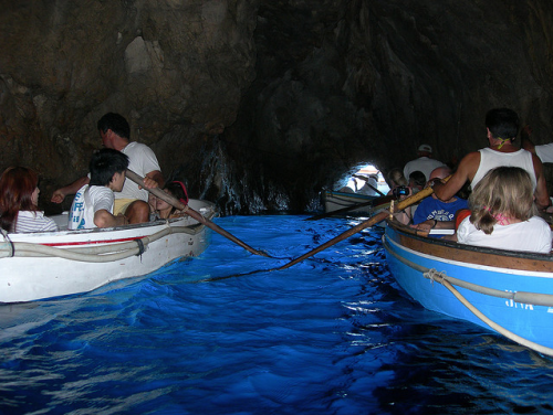goluboi-grot2.png