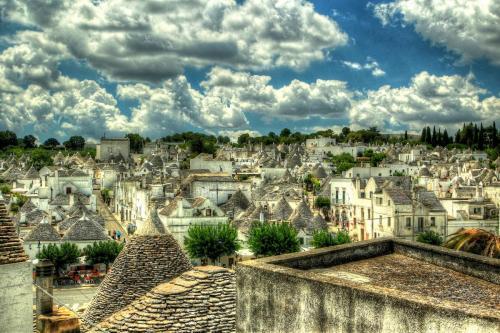 alberobello-town-italy.jpg