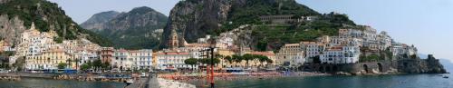2708px-Amalfi_panorama_I.jpg