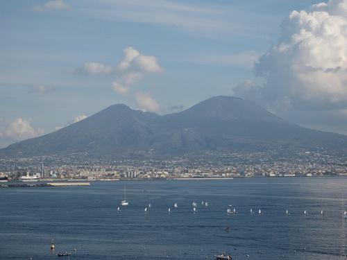 Vesuvius-11.jpg