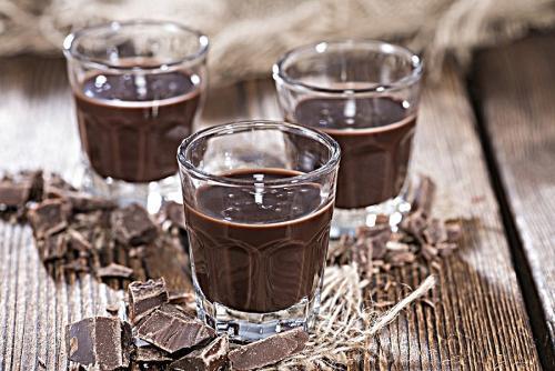 liquore-al-cioccolato.jpg