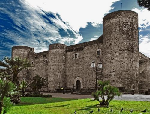 2_castello_ursino.jpg