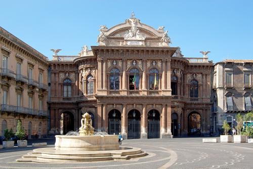 Catania_BW_2012-10-06_11-11-06.jpg