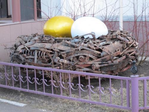 28 скульптура рядом со стоматологией на ул Кропоткина 10.jpg