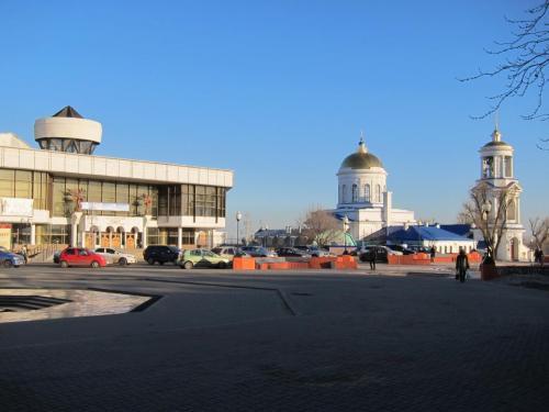 29 Концертный зал и Покровский Кафедральный Собор.jpg