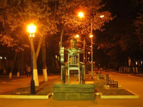 21 памятник Владимиру Высоцкому.jpg