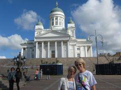 Финляндия, Хельсинки, Кафедральный лютеранский собор Святого Николая на Сенатской площади (с сестрёнкой)