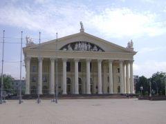 Одна из главных площадей Минска, но не самая главная